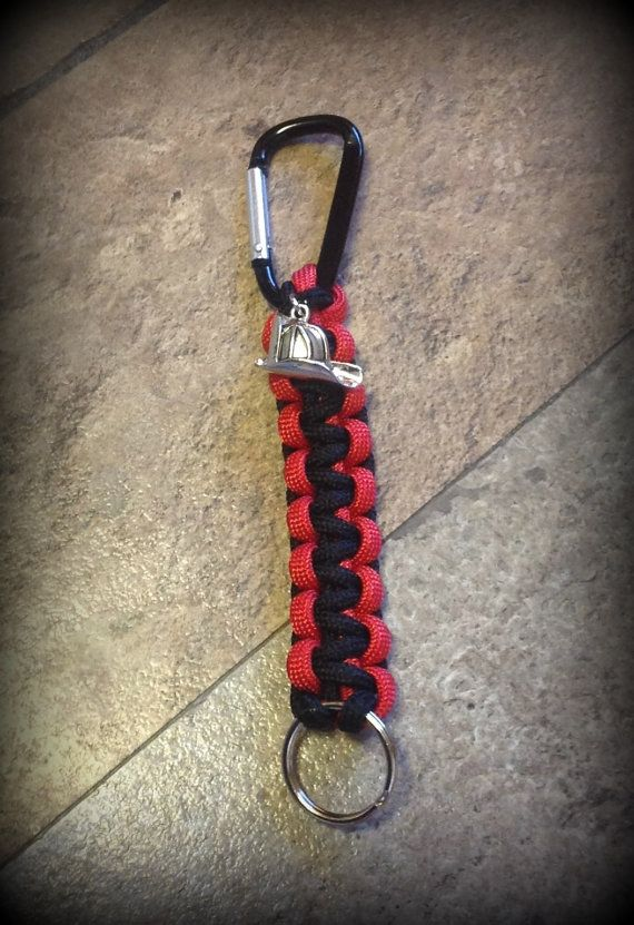 17 best images about paracord on pinterest paracord for How to make a keychain out of paracord