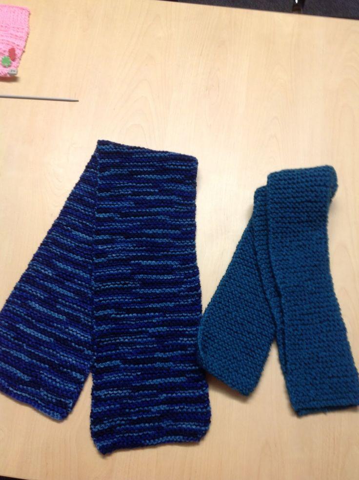 Glasgow Fort Stitch 'N' Bitch - for scarf charity
