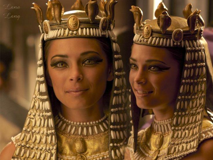 Smallville Lana  Lang  is Cleopatra