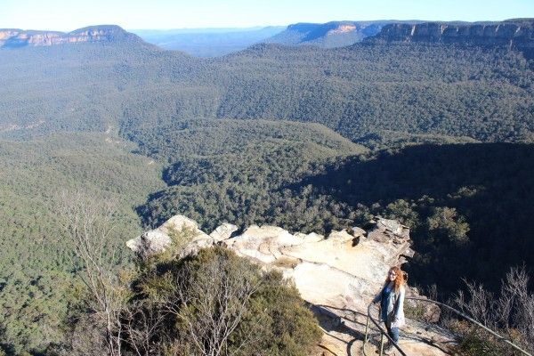 A Day in the Blue Mountains - Katoomba cliff path