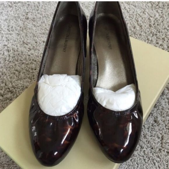 Johnston & Murphy Patent  leather pumps Shoes SALE --Reduced to lowest price I can do! 👠😊😊Patent leather low heeled shoes. Comfortable & Classy. Please I can't go lower than this Johnston & Murphy Shoes Heels