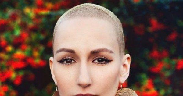26.10.2015 - ELLE PARODIE TAYLOR SWIFT POUR SOUTENIR LES MALADES DU CANCER !