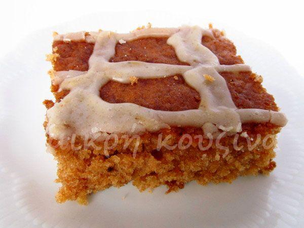 μικρή κουζίνα: Υγρό κέικ κανέλλας με κεφίρ ή ξινόγαλο