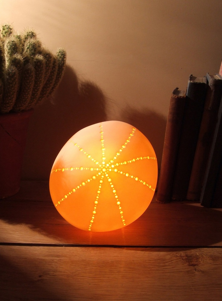 Small naked urchin lamp radiance