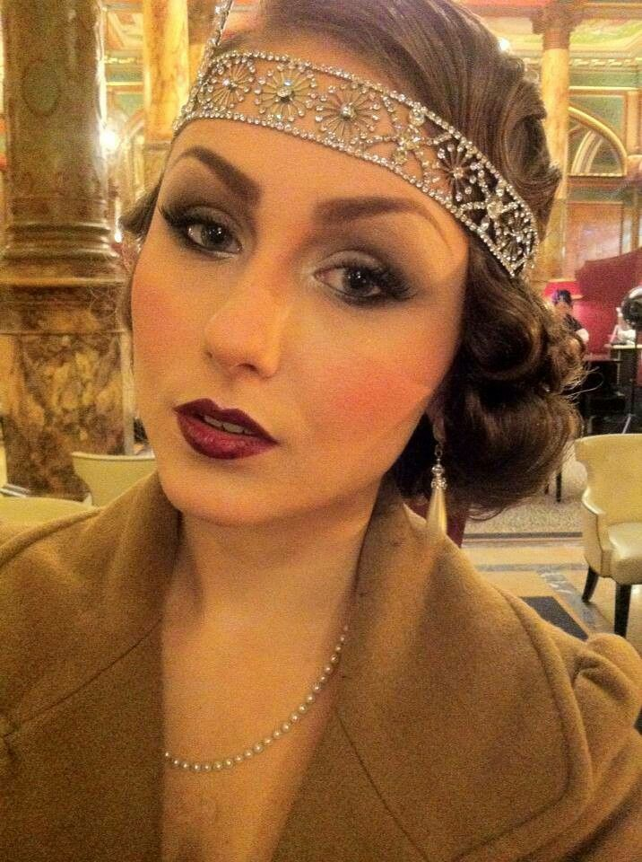 This make up is perfect for Daisy. With this make up she looks similar with Ddaisy in the Great Gatsby. I like her lips and cheeks.