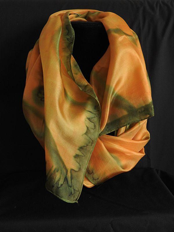 handbeschilderde zijden sjaal 45 x 180 Z 1602 | Handbeschilderde zijden sjaals, (lange en vierkante) | Sieraden Atelier Sfizi
