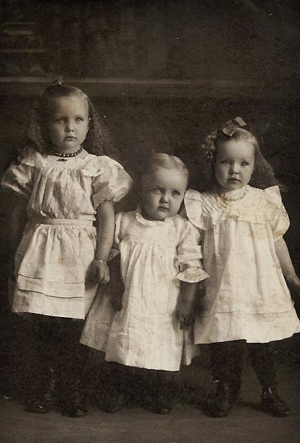 Vintage sister love #Vintage #old #Photos #children #girls #sisters