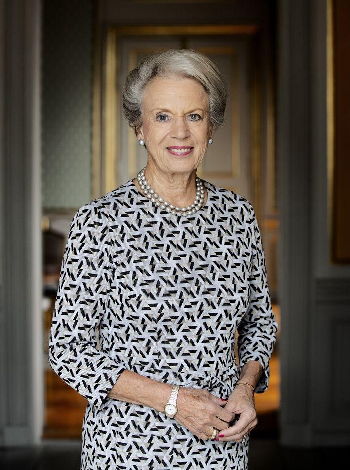 The Scandinavian Royals Message Board Princess Benedikte Turns 75 New Biography Danish Royal Family Royal Royal Line Of Succession