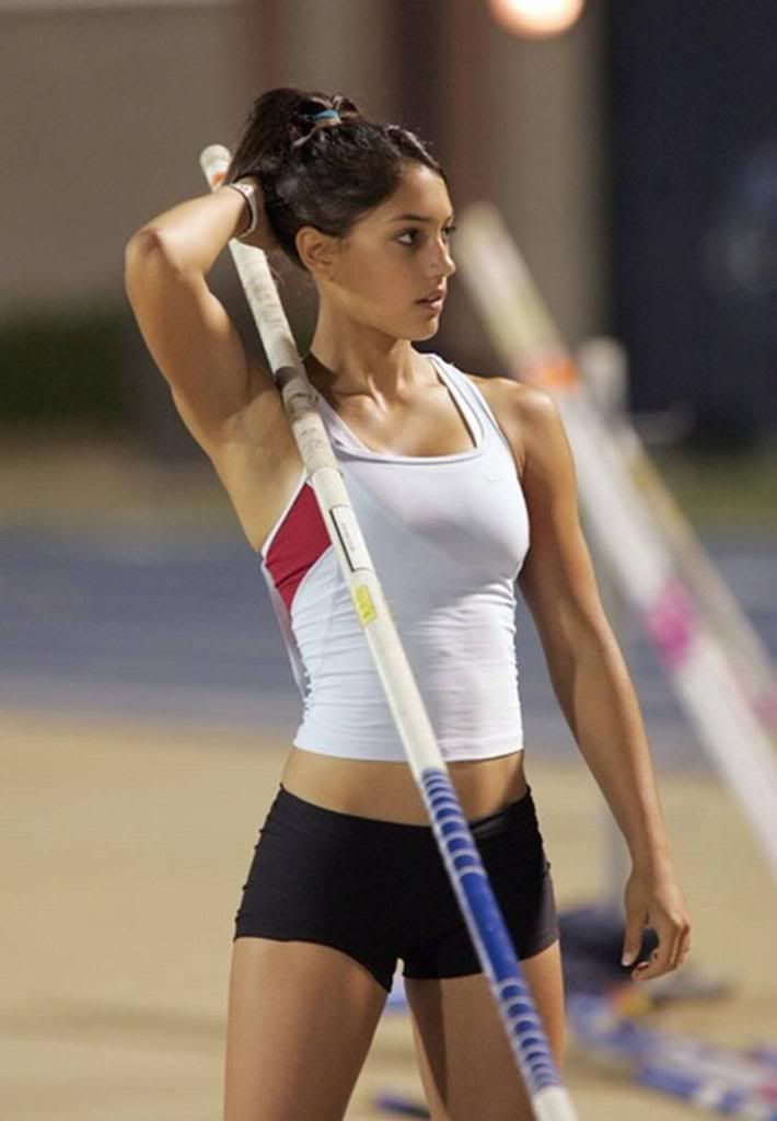 Can Top women pole vaulter right! So