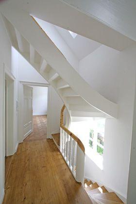 die besten 25 obergeschoss flur ideen auf pinterest gel nder ideen loft stauraum und. Black Bedroom Furniture Sets. Home Design Ideas