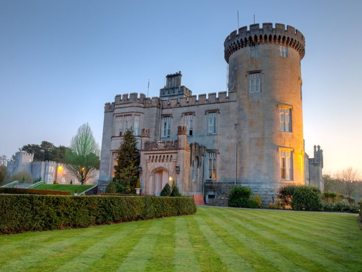 Pretend you're royalty by staying at a castle in Ireland #honeymoon #wedding