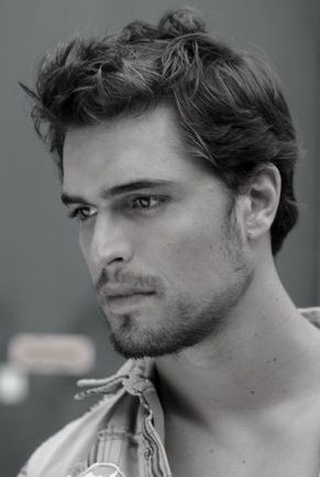 http://www.trendy.pt/  Diogo Morgado - So gorgeous! Plays 'Jesus' from TV mini-series 'The Bible'.