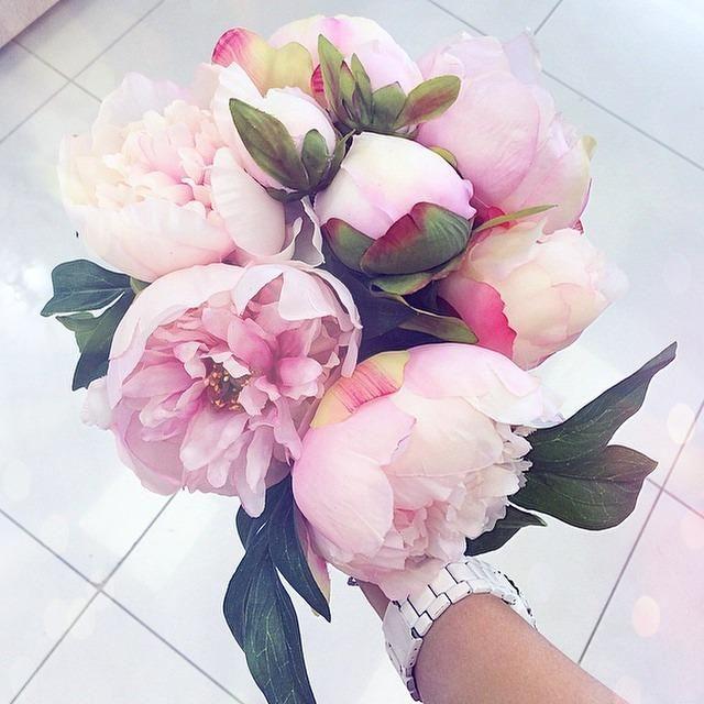 #цветы #часы #девушка #настроение