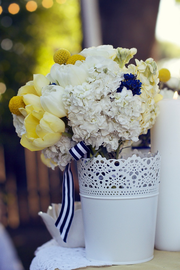 ikea vases for decor& love the flowers and ribbon. @sarahrosehassani?