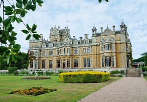 Indulge in a luxurious spa day for two at Thoresby Hall including a 25 minute treatment each.