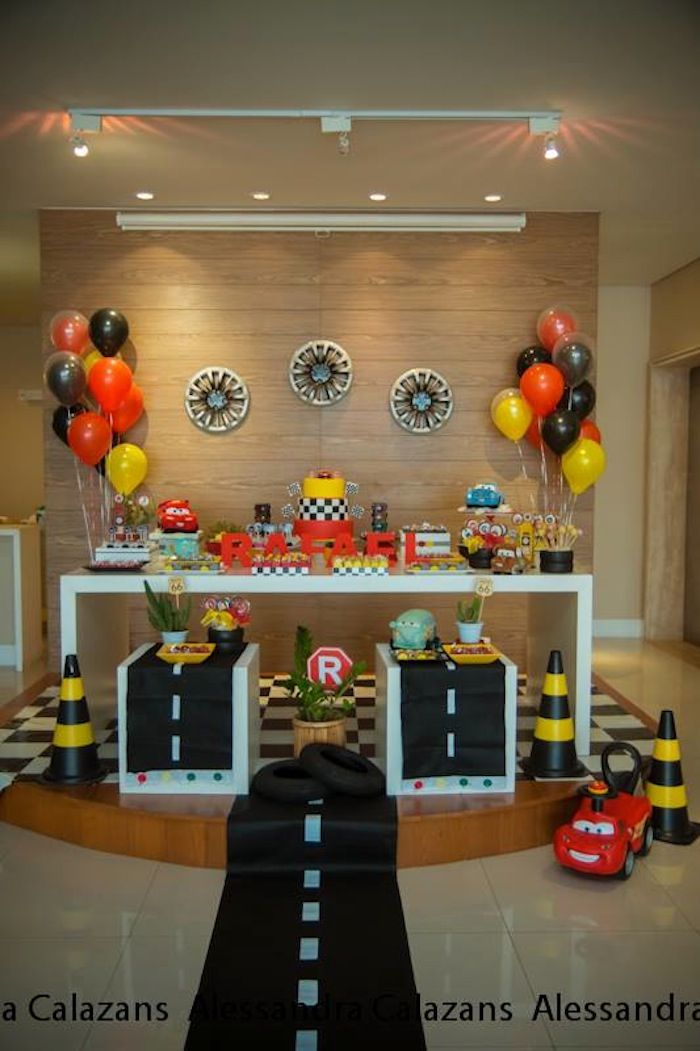 Lightning McQueen + Cars themed birthday party with Such Cute Ideas via Kara's Party Ideas Kara Allen KarasPartyIdeas.com #lightningmcqueen ...