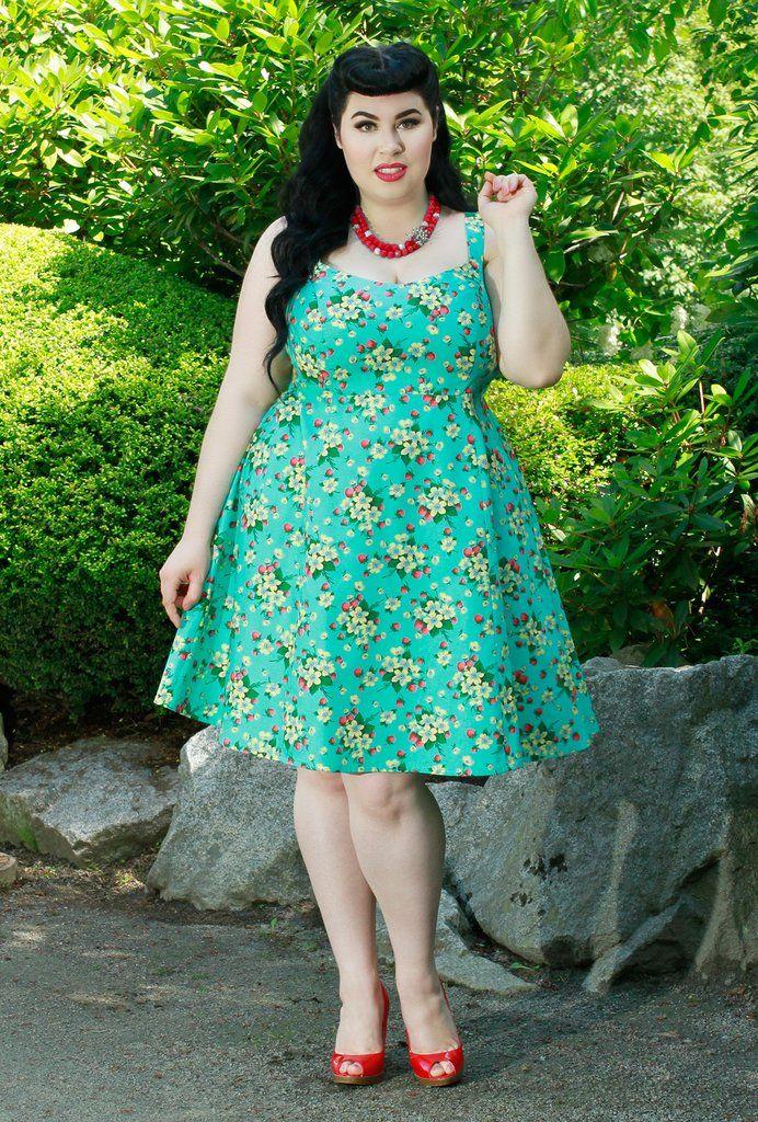 Lisa Dress - Strawberry Picnic