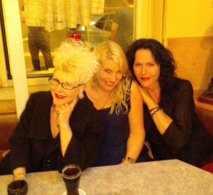 #Sonntagnacht in #Frankfurt im #Bahnhofsviertel - mit den #Ladies (von rechts nach links) #Andrea_Wedel, #Tina_Zechner und #Manuela_Mock,  – #Google+