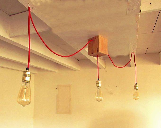 Luminaire / Lustre de bar ou salle à manger 3 ampoules à filaments type Edison suspendues fil vintage rouge plafonnier bois