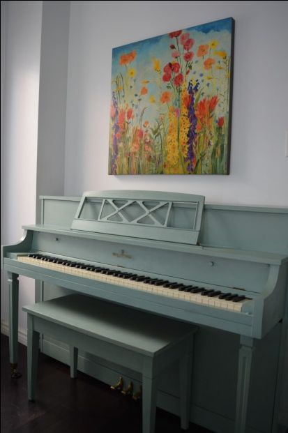DIY: Chalk Paint a Piano