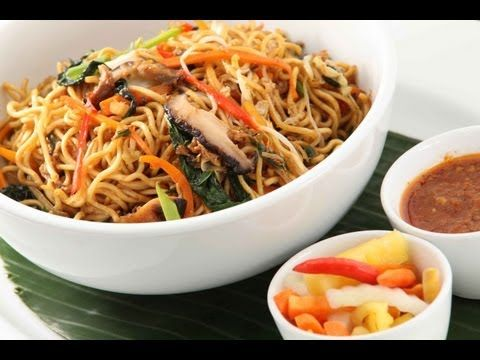 Vegetable Hakka Noodles by Sanjeev Kapoor