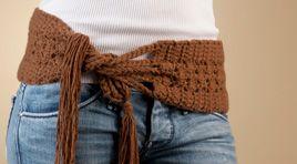 Cashmere and wool crochet belt