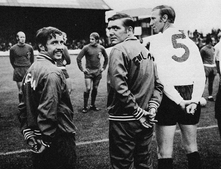 Circa 1970. Rangers winger Willie Henderson, Celtic's Bobby Murdoch and Leeds United's Jack Charlton playing in a UK XI against Wales in Ron Davies Testimonial.