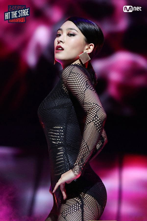 Mnet's 'Hit The Stage' reveals sizzling still-cuts of Bora, Hyoyeon, and Momo