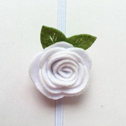 Κορδελα-μαλλιών-ασπρο-λουλούδι-από-τσόχα