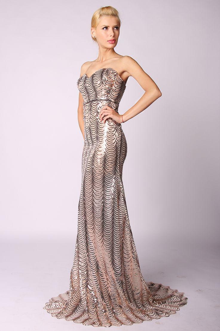 >Rochie online cu paiete  >rochie crem, cu paiete aramii, lunga  >partea de sus formata din corset, fusta este tip sirena, rochia este cu trena
