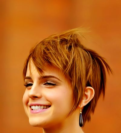 Emma rockin' her awesome hair. definately goin back to short hair with this cut. Maybe an edgier color though....