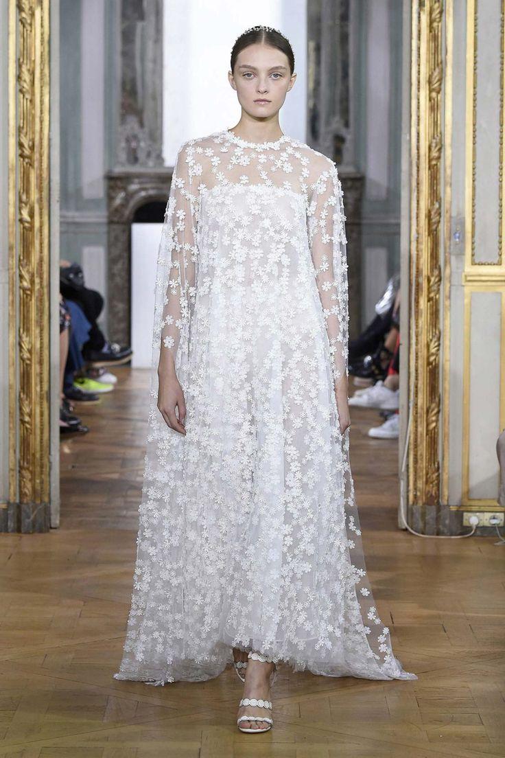 Kaviar Gauche: florale Leichtigkeit für Bräute KAVIAR GAUCHE http://www.hochzeitswahn.de/gesponsert/kaviar-gauche-florale-leichtigkeit-fuer-braeute/ #wedding #dress #bride
