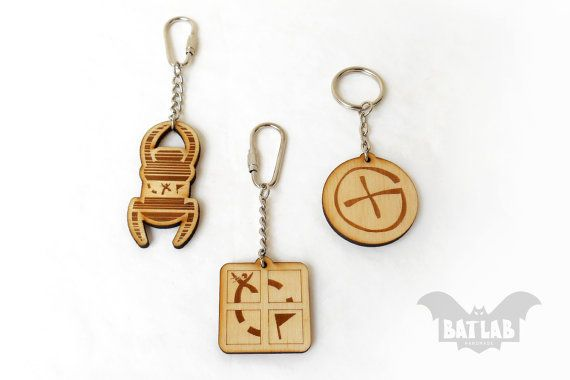Geocaching Keychain from wood  Geocache  Engraved by BatLab
