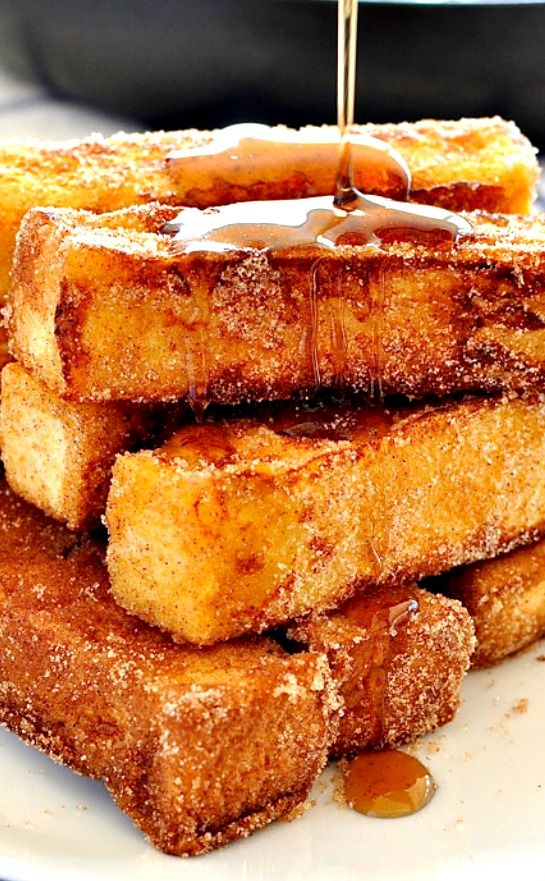 CINNAMON FRENCH TOAST STICKS ~ French toast you can eat with your fingers and tastes like cinnamon doughnuts