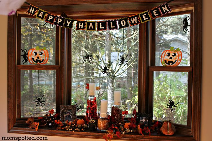 39 best images about fall window decorations on pinterest for Autumn window decoration
