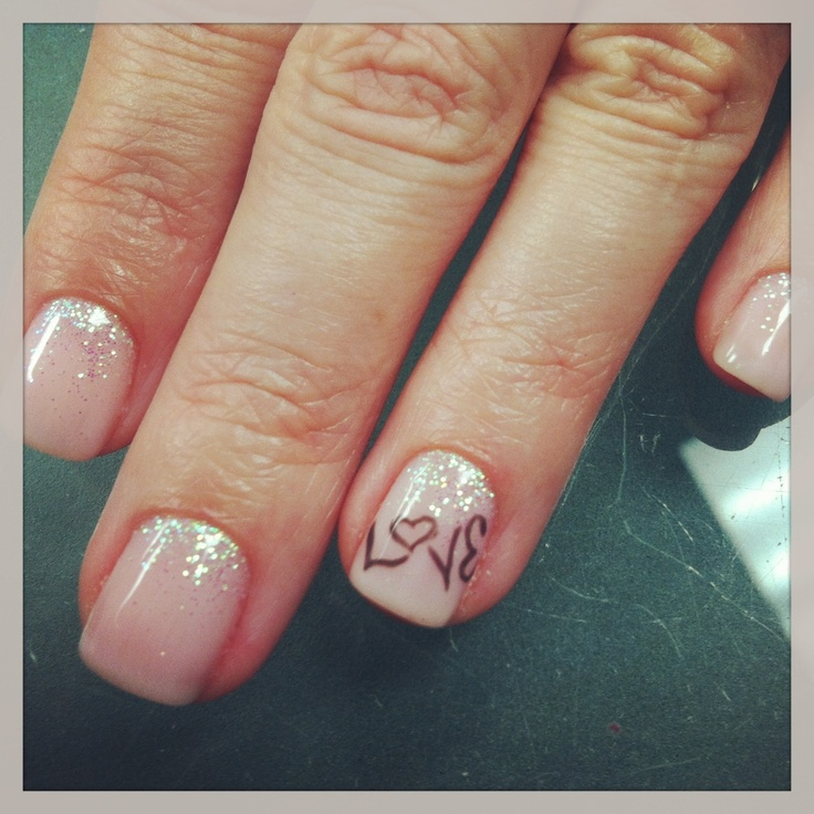 Shellac nails. I'm thinking about getting my nails 'shallaced' for the first time. @Holly Fitzwater I loved your nails and think this is cute!