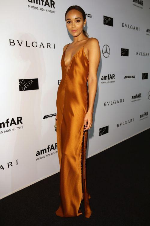 red carpet look, fashion, style, golden dress, bronze dress, long dress