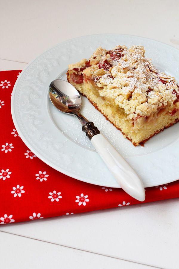 Rhabarberkuchen mit Ricotta – und Streusel. Mmmmhhh!