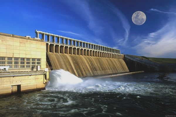 Dams are huge constructions which are constructed which stop the flow of rivers and the reservoirs are built which collects water