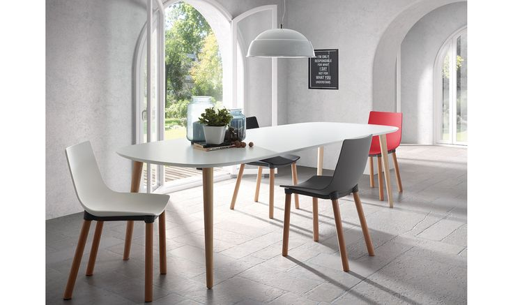 Mesa de comedor blanca Moderna Oqui Material: DM Densidad Media Mesa extensible ovalada con sobre de DM lacado en blanco mate. Pies en madera de haya natural barnizada.... Eur:379 / $504.07