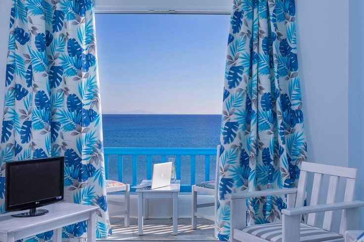 Breathtaking beauty of the Aegean Sea and the impeccable #accommodation of the #Mykonos Kosmoplaz