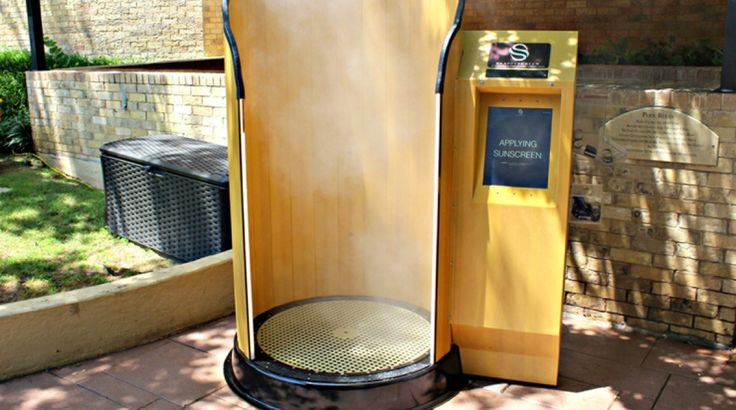 Four Seasons Resort and Club Dallas at Las Colinas debuted what is said to be Texas' first SnappyScreen, an innovative touchless sunscreen application system.