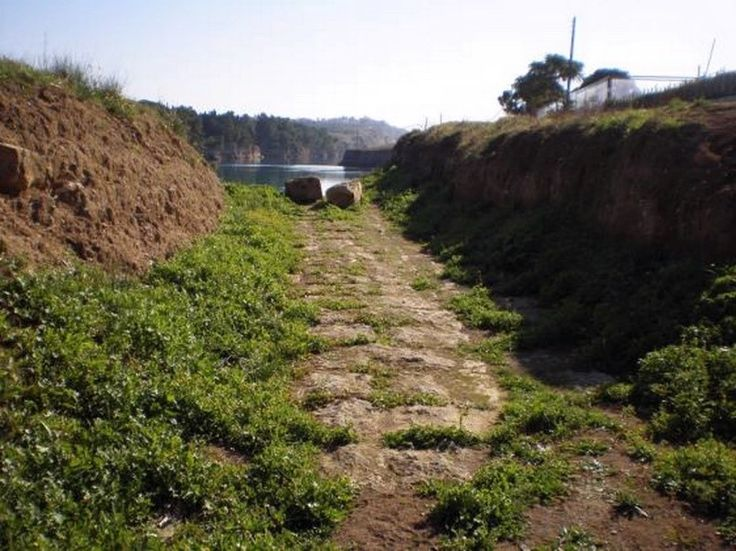 Diolkos - The ancient road that provided transport for ships between the #Corinithian Gulf and the #Saronic Sea before the Canal was constructed. Worth visiting if interested in learning how boats moved across the isthmus during ancient times!