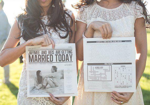 Undangan dalam bentuk koran harian