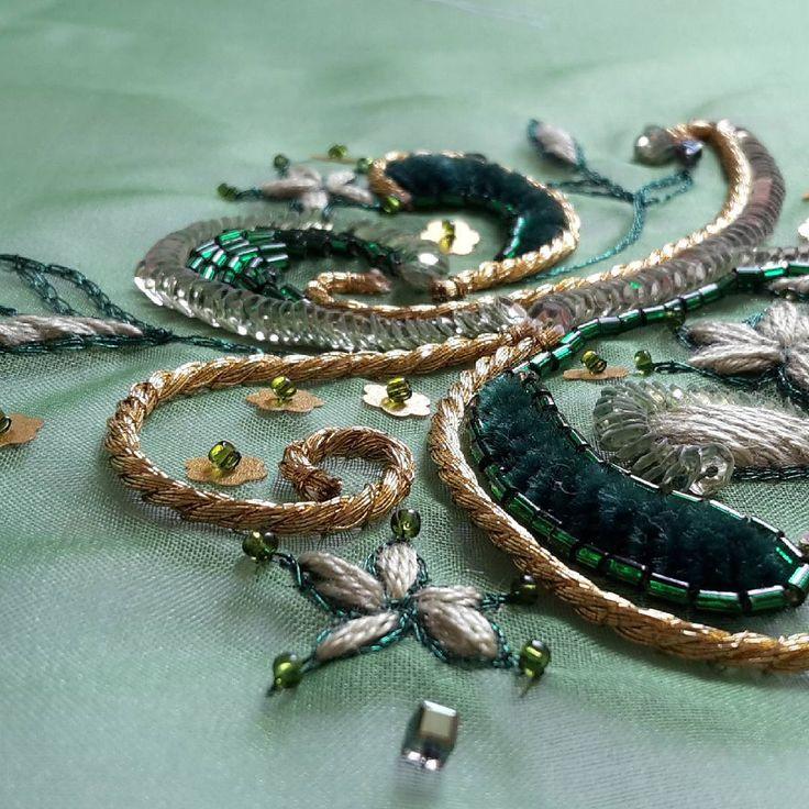 #details #broderiedart #broderie #embroidered #green #sequin #beads #masteringbroderiedart #course #masterclass #couturetechniques #instacreative