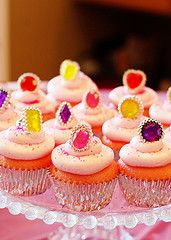 Princess cupcakes Love the easy of this look