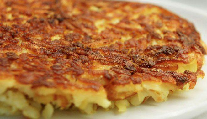 Il rosti è un tipico piatto svizzero a base di patate che possono essere bollite oppure crude. In monoporzioni oppure come unica torta salata, un cuore di patate croccante fuori e morbido dentro che vi conquisterà.