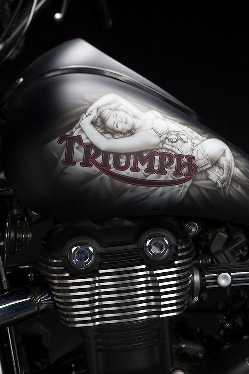 KlockWerks StormyBagger Triumph Thunderbird Storm, custom