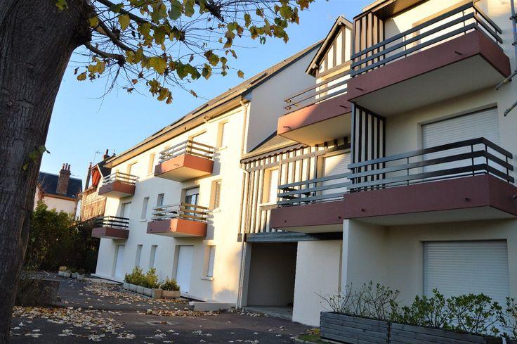 Dans petite copropriété ravallée cette année, appartement de 2 pièces avec balcon plein sud au calme, parking et cave ! Idéal pour pied-à-terre !
