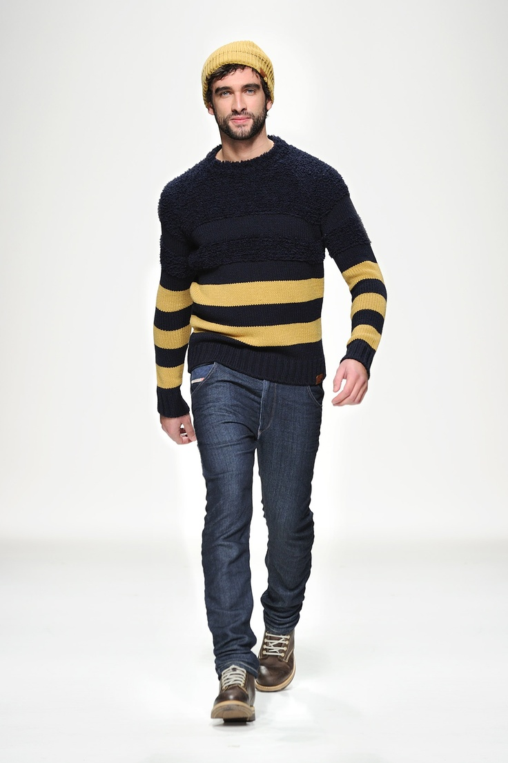 /mensfashion Pls it's spring! It's 104ºF here and you pinning sweters!
